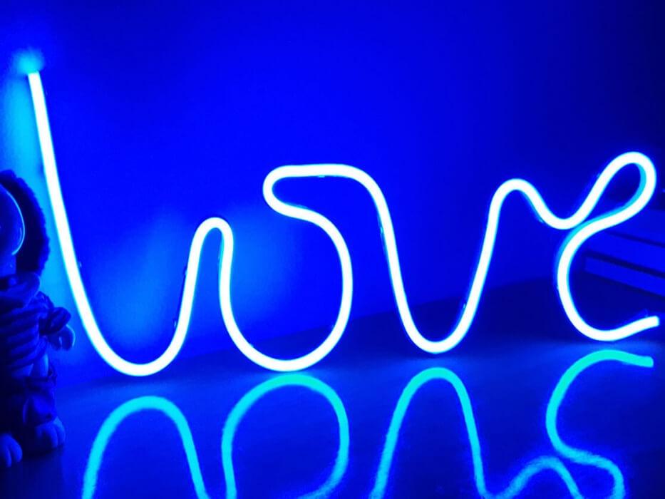 5c40daddf793e Que es el NEON LEDs  - Novedades Corpóreas - letterSystems