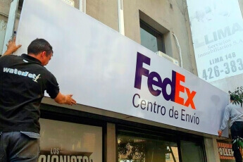 /trabajos/2019/08/29/cartel-frontal-luminosos-fedex-01.jpg